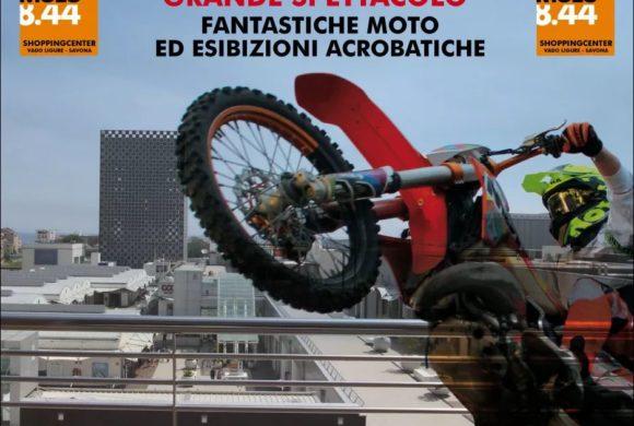 Grande spettacolo di stunt riding!