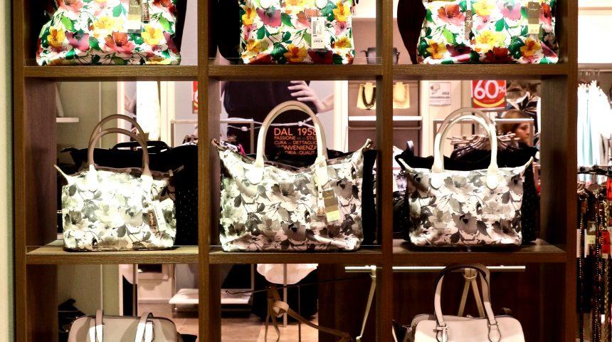 negozi abbigliamento ed accessori moda Molo 8.44 shopping center