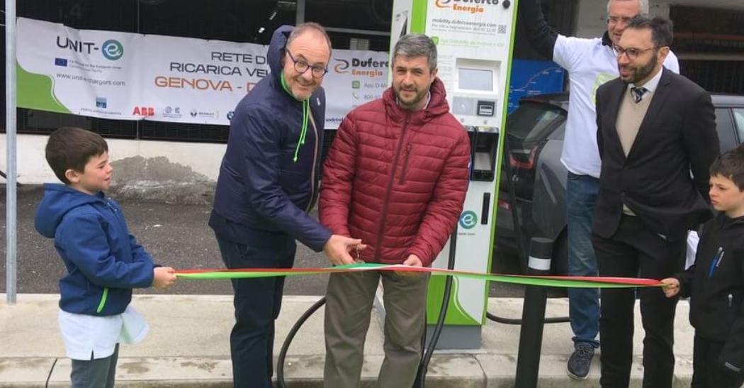 Be Green: inaugurazione delle colonnine di ricarica elettrica per auto e scooter
